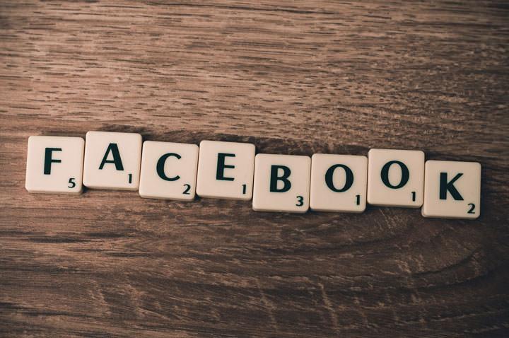 دلایل روانشناسی پشت صحنهی اشتراکگذاریها، لایکها و کامنتهای ما در فیسبوک