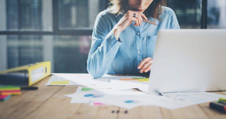 برای موفقیت در فرآیند بازاریابی خود فراتر از محصول فکر کنید.